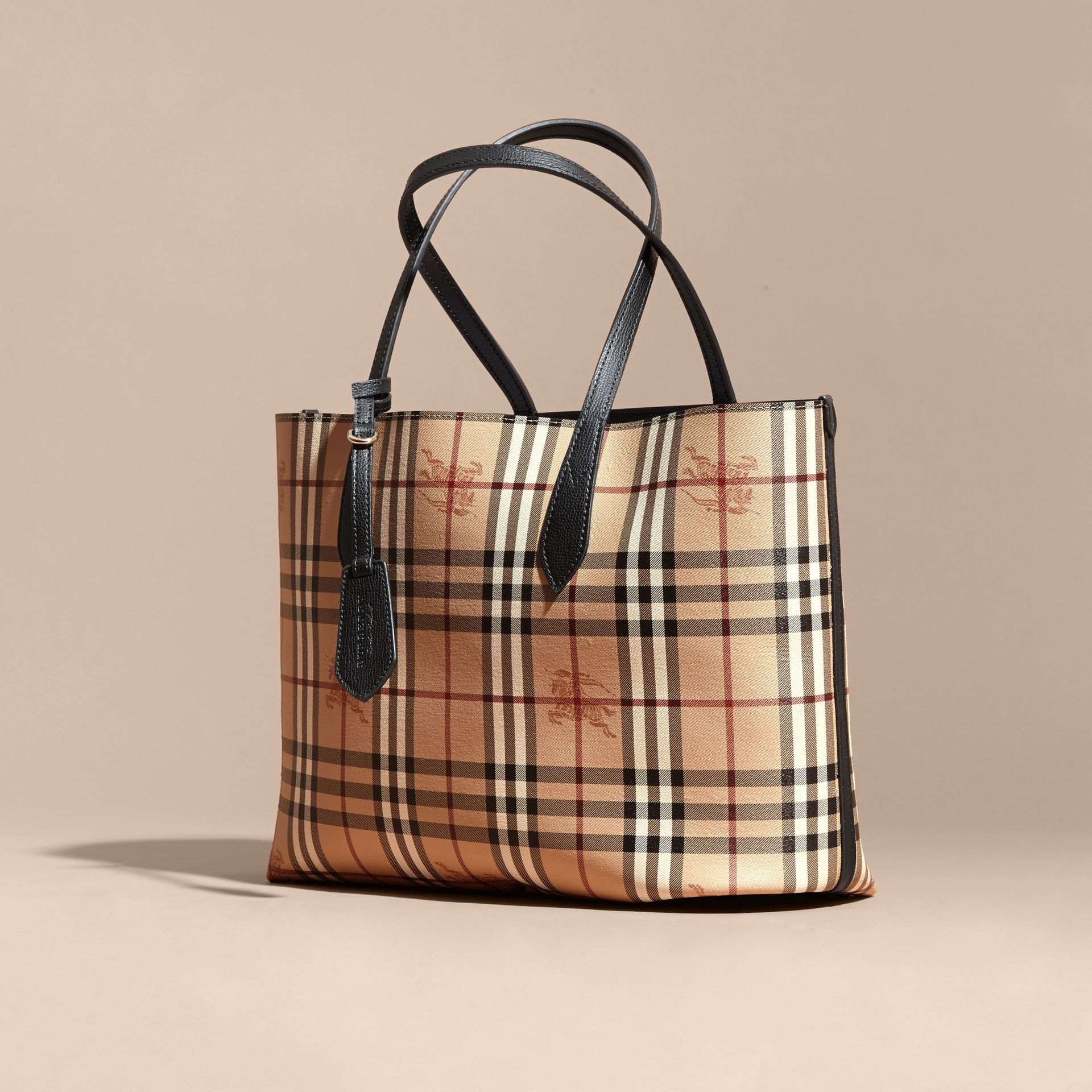 The Medium Reversible Tote in Haymarket Check and Leather in Black - Women | Burberry - gallery image 8