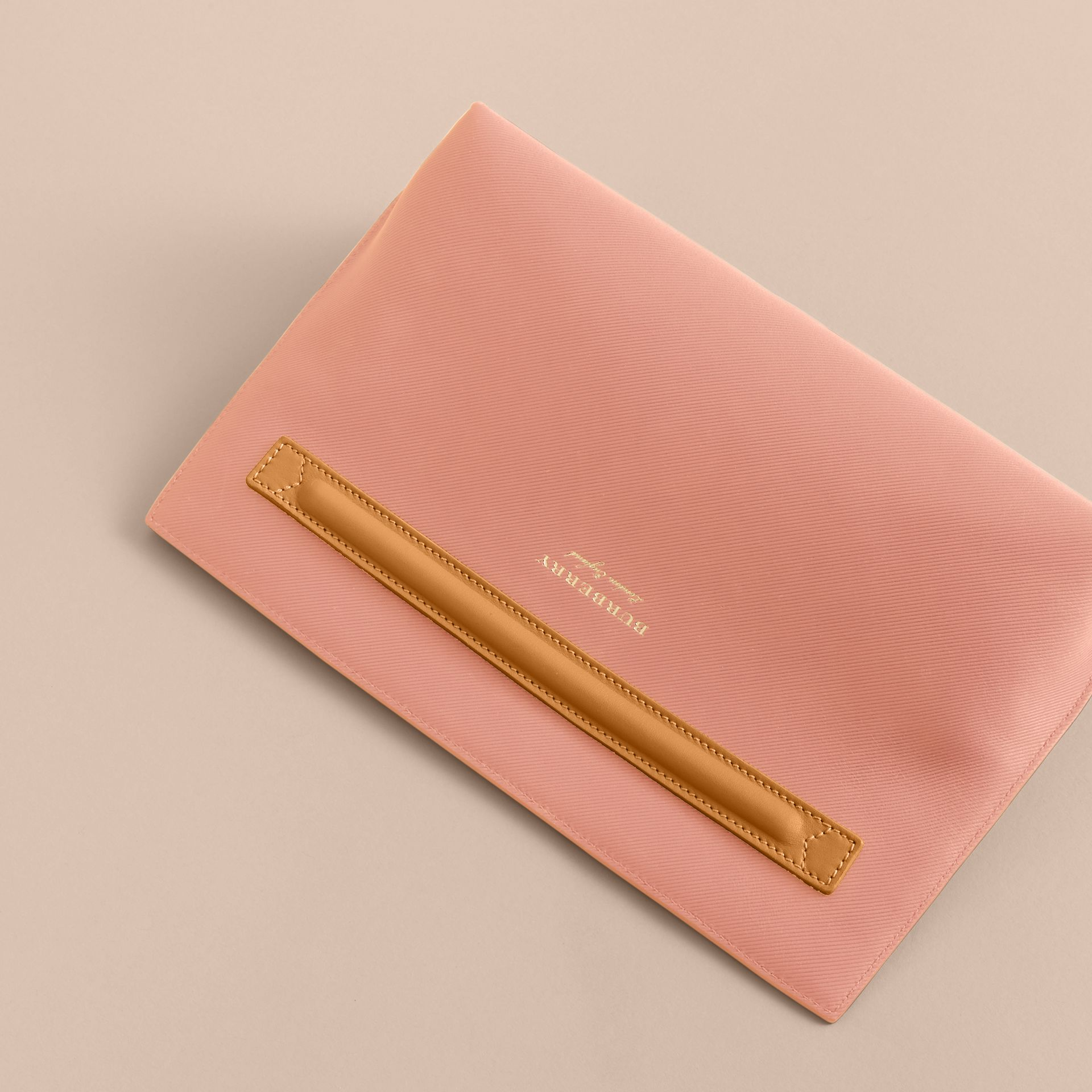 Two-tone Trench Leather Wristlet Pouch Ash Rose/pale Clementine - gallery image 4
