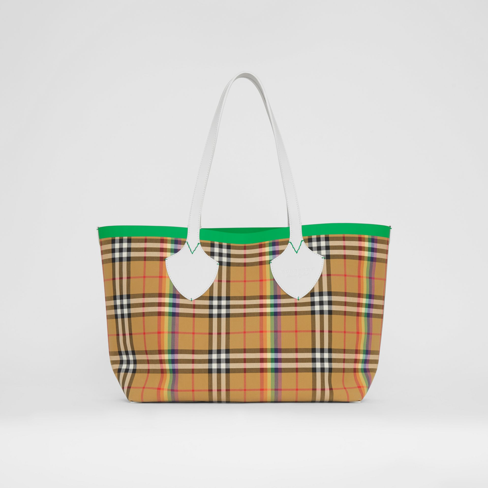 The Medium Giant Tote in Rainbow Vintage Check in Antique Yellow | Burberry - gallery image 4