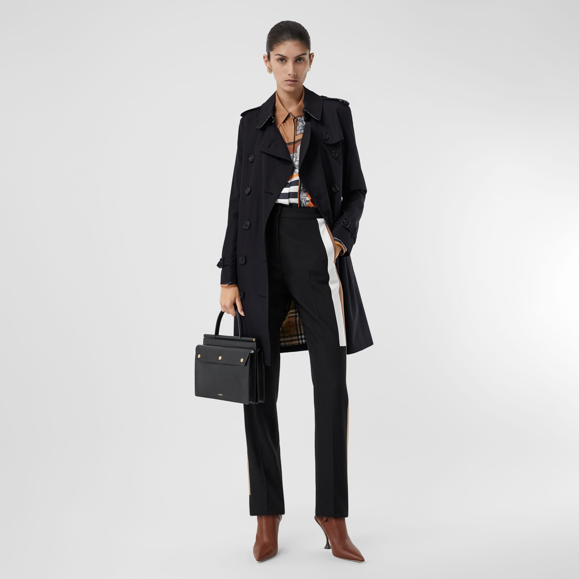 The Mid-length Kensington Heritage Trench Coat in Midnight - Women | Burberry United Kingdom - gallery image 0