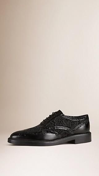 Chaussures Richelieu en cuir et dentelle avec bout golf