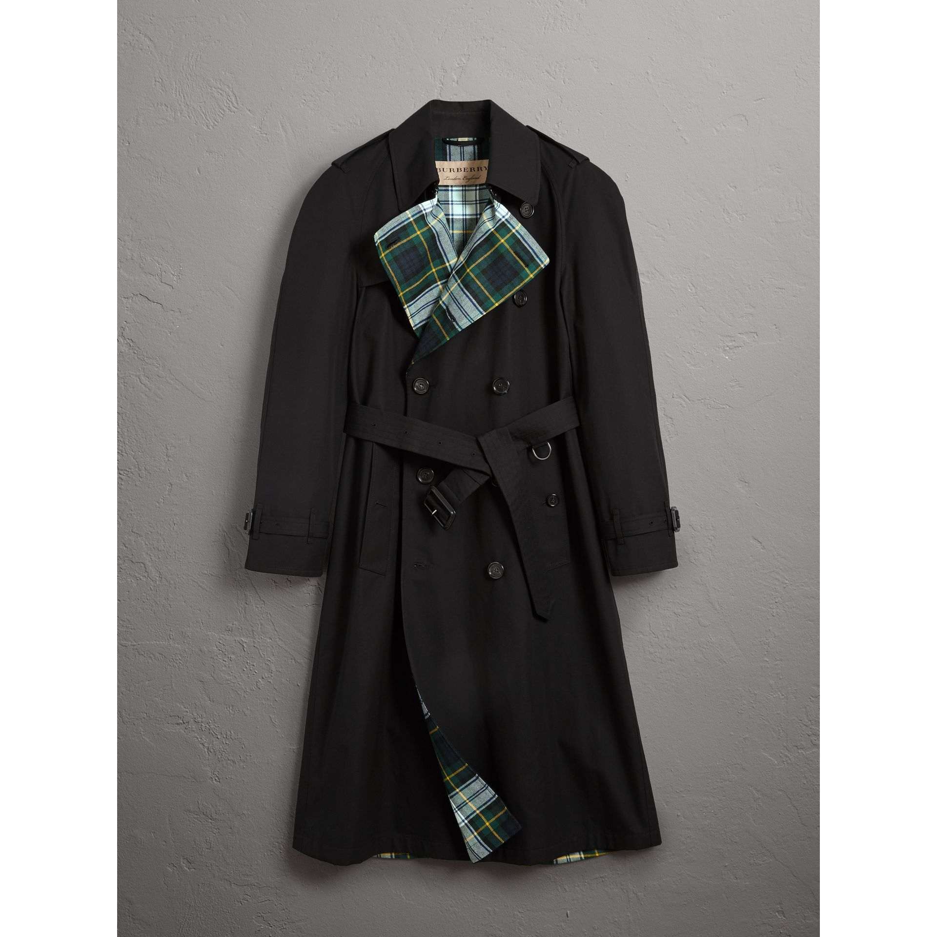 Tartan-lined Cotton Gabardine Trench Coat in Black - Men | Burberry United Kingdom - gallery image 3