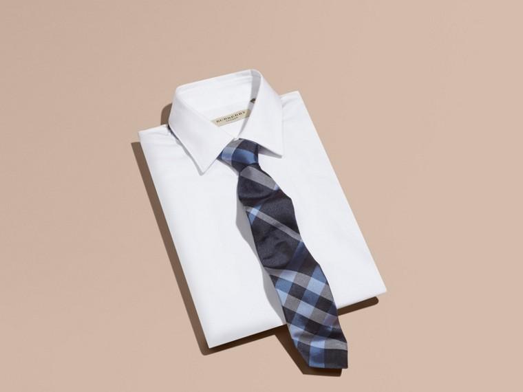 Indigo Cravate moderne en jacquard de soie à motif check Indigo - cell image 2