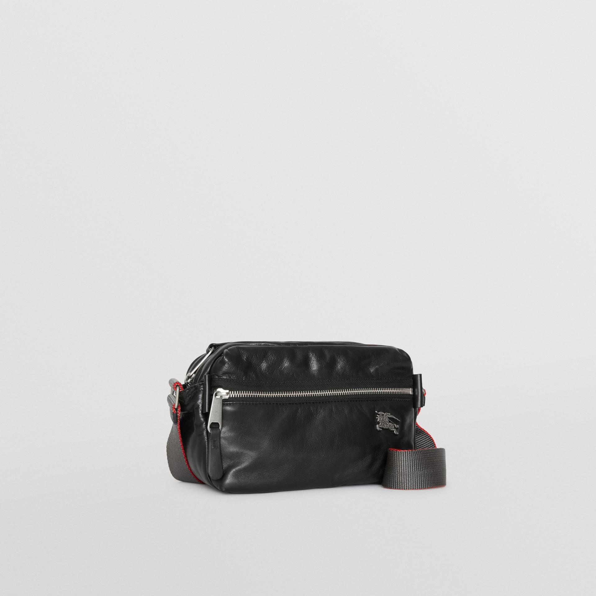 Bolsa transversal em couro nappa com emblema Equestrian Knight (Preto) - Homens | Burberry - galeria de imagens 4