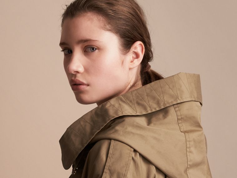 Hooded Water-resistant Parka in Flax Brown - Women | Burberry Australia - cell image 4