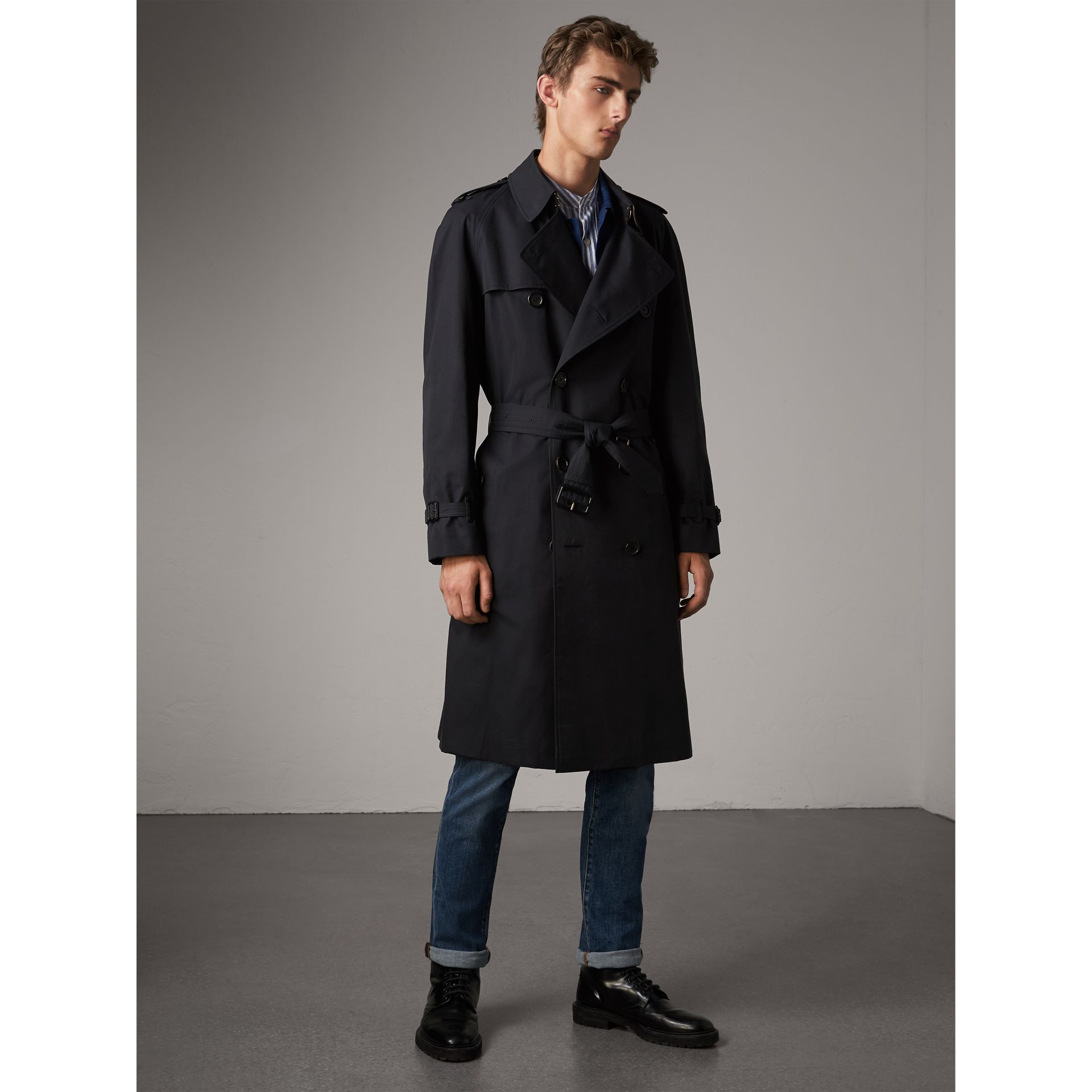 The Westminster – Extra-long Trench Coat in Navy - Men | Burberry Hong Kong - gallery image 7