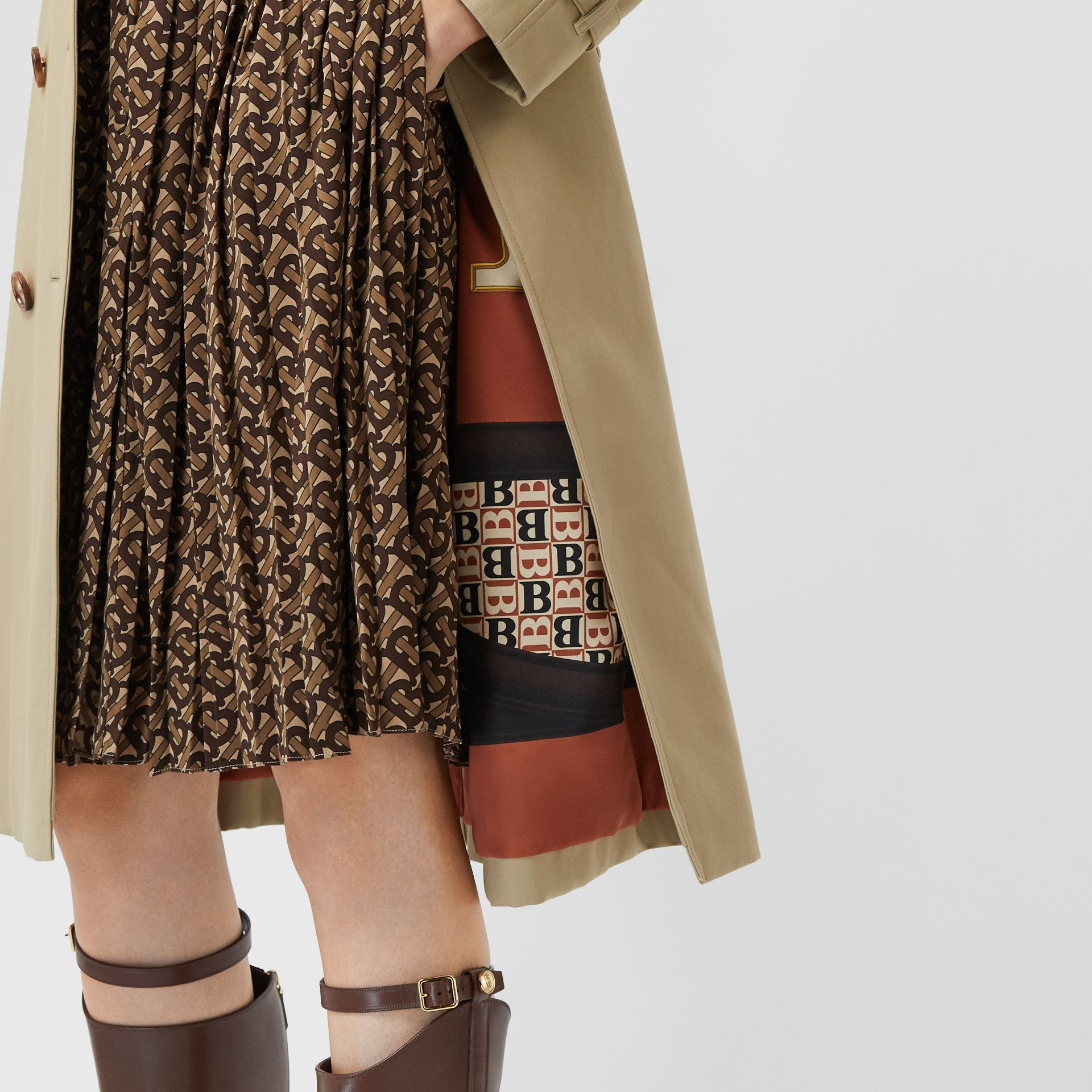 Archive Print-lined Cotton Gabardine Trench Coat in Honey - Women | Burberry Australia - gallery image 1