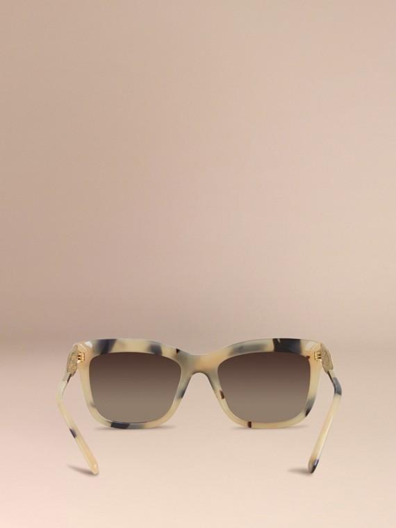 Corne demi-teinte Lunettes de soleil à monture carrée – Collection Dentelle de gabardine Corne Demi-teinte - cell image 3