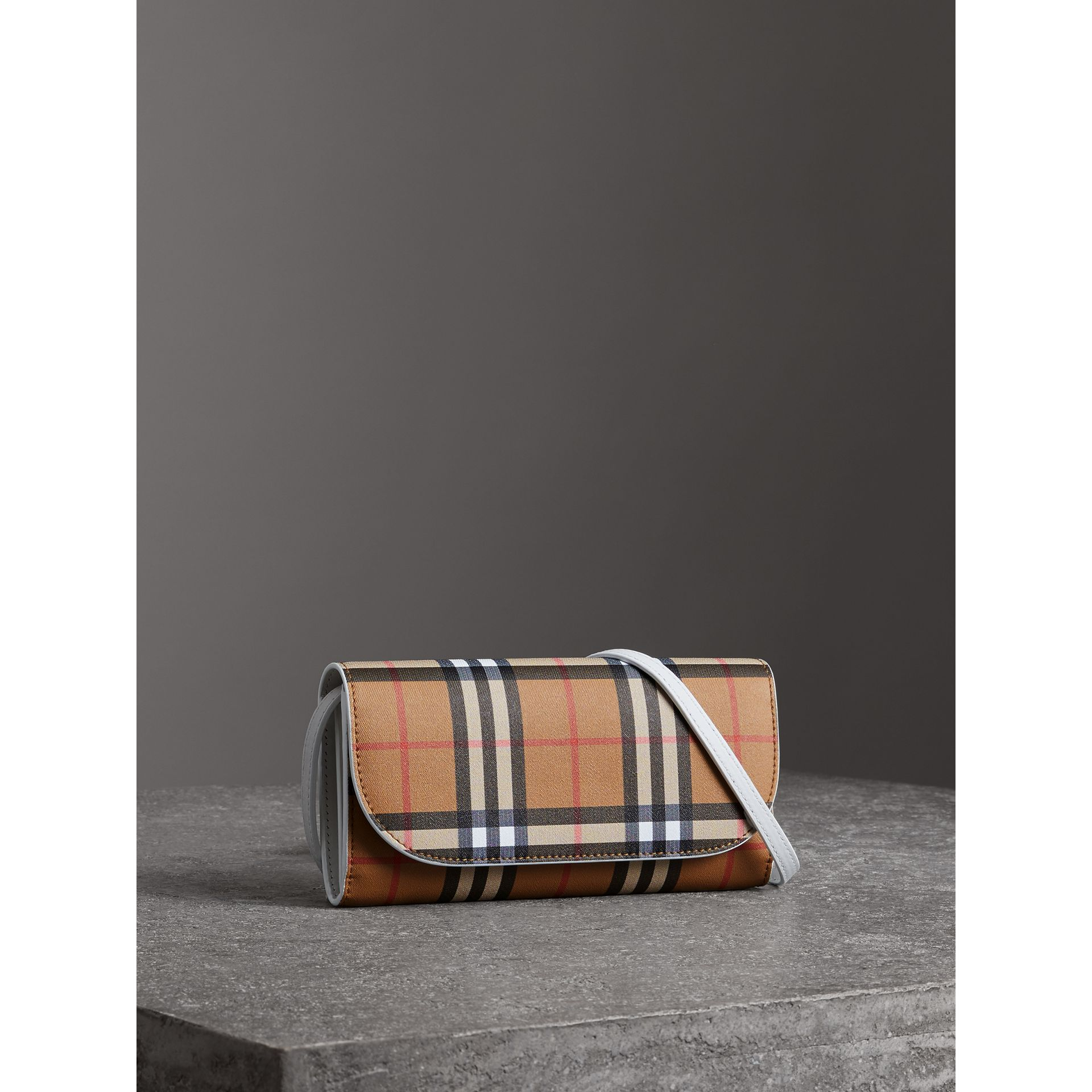 Detachable Strap Vintage Check Leather Wallet in Chalk White - Women | Burberry Singapore - gallery image 4