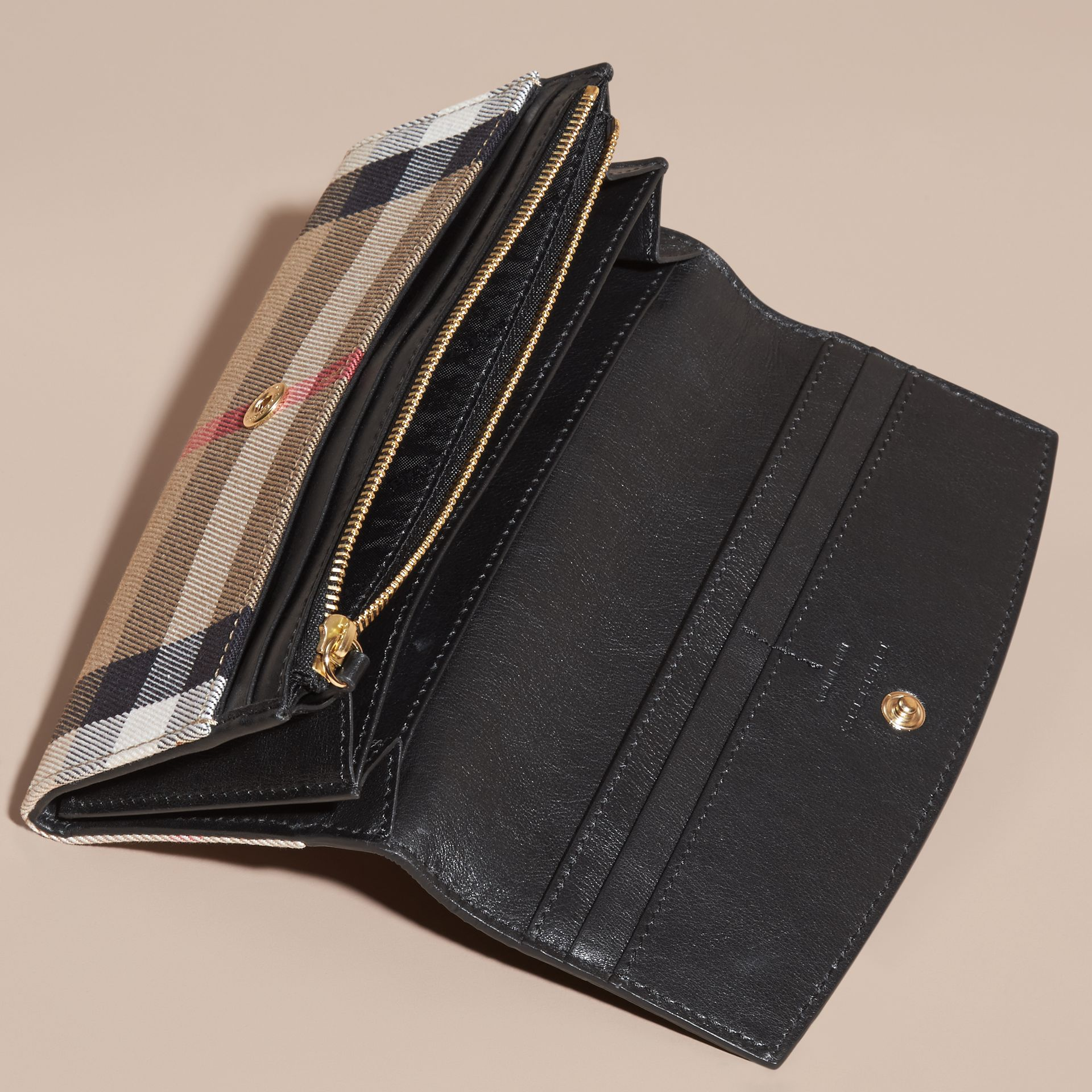 House Check And Leather Continental Wallet Black - gallery image 5