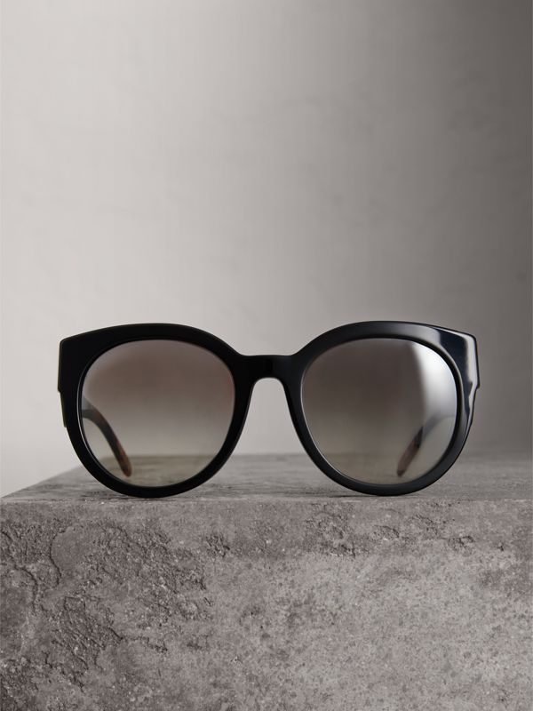 Round Frame Sunglasses in Black - Women | Burberry Canada - cell image 3