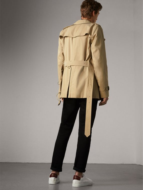 The Kensington – Short Trench Coat in Honey - Men | Burberry United States - cell image 2
