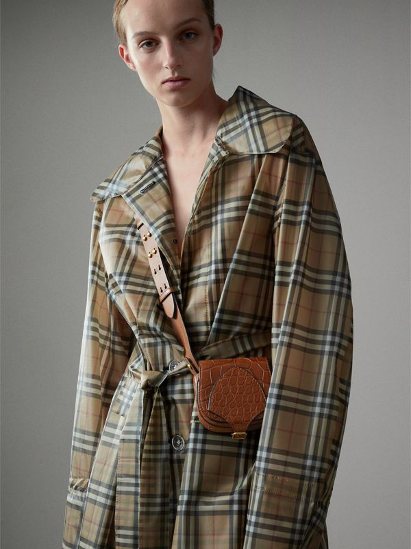The Satchel con tasca in pelle di alligatore (Marroncino) | Burberry - cell image 2