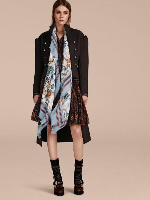 Garden Floral Print Cashmere Scarf Pale Sky Blue - cell image 2