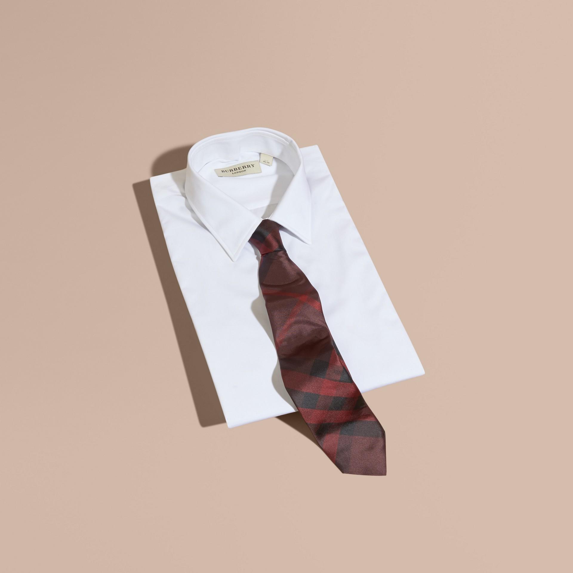 Rosso violetto intenso Cravatta dal taglio moderno in seta con motivo check Rosso Violetto Intenso - immagine della galleria 4