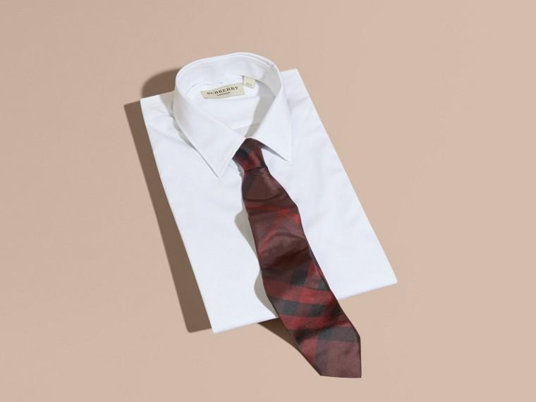 Bordeaux intense Cravate moderne en soie à motif check Bordeaux Intense - cell image 2