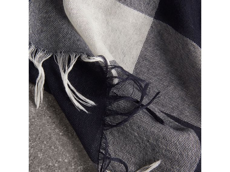 Lightweight Check Wool Cashmere Scarf in Navy | Burberry Singapore - cell image 1