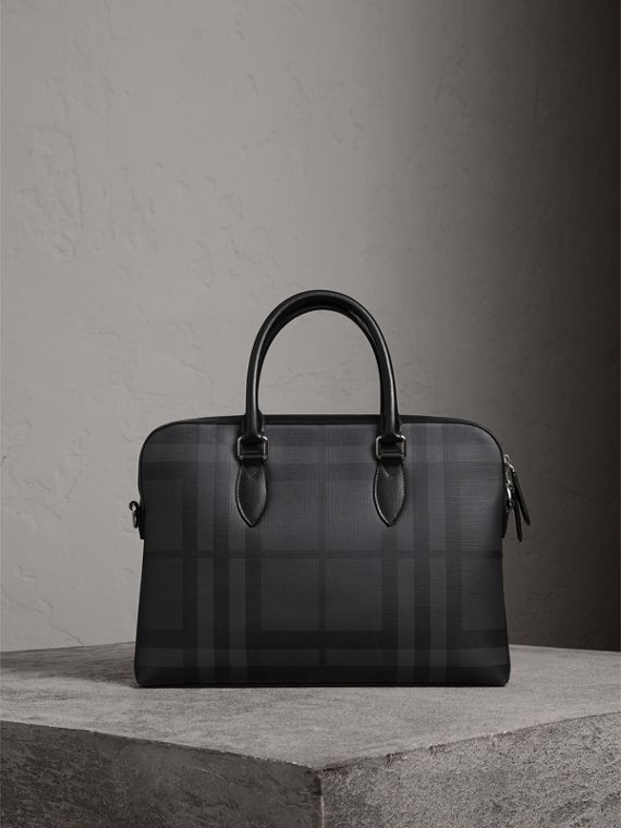 The Slim Barrow in London Check in Charcoal/black