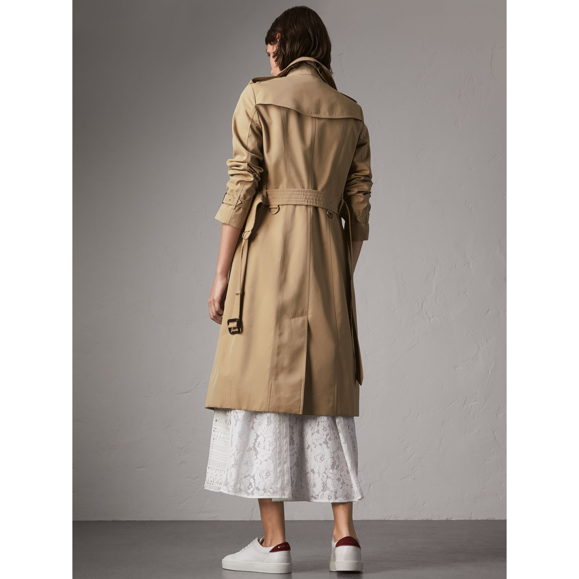 The Sandringham – Extra-long Trench Coat in Honey - Women | Burberry United Kingdom - gallery image 3