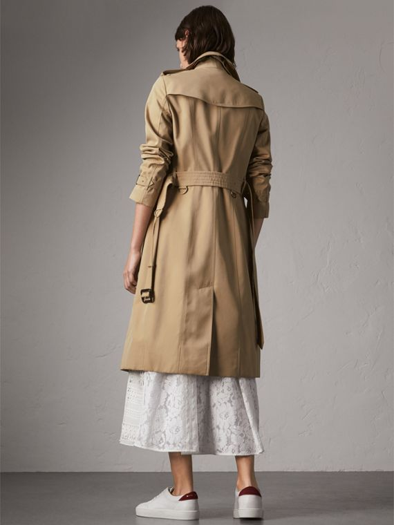 The Sandringham – Extra-long Heritage Trench Coat in Honey - Women | Burberry Hong Kong - cell image 2