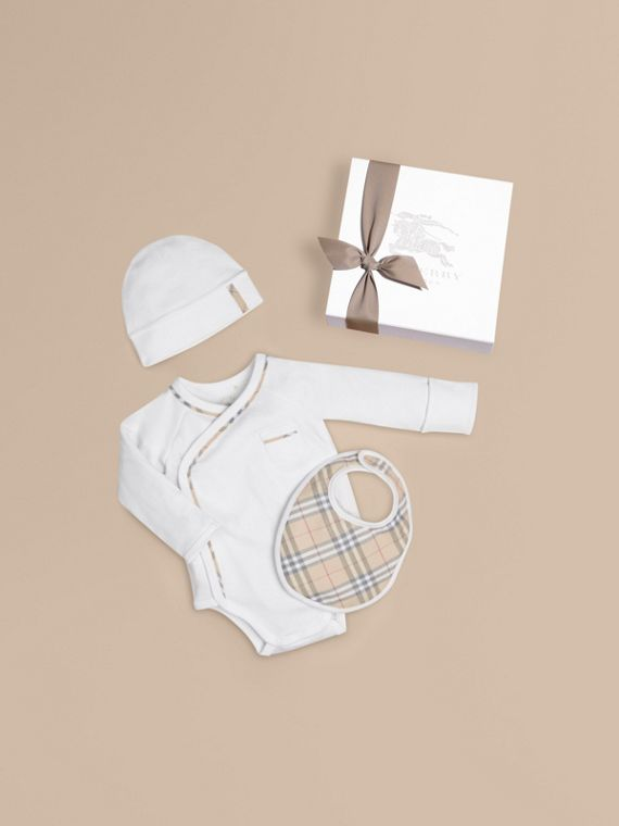 Check Cotton Three-piece Baby Gift Set in White - Boy | Burberry