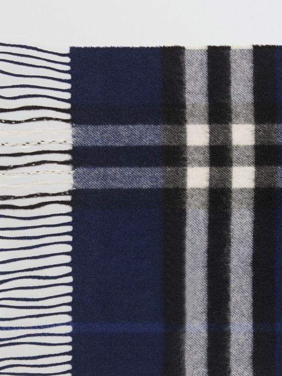 The Classic Check Cashmere Scarf in Indigo Blue | Burberry United Kingdom - cell image 1