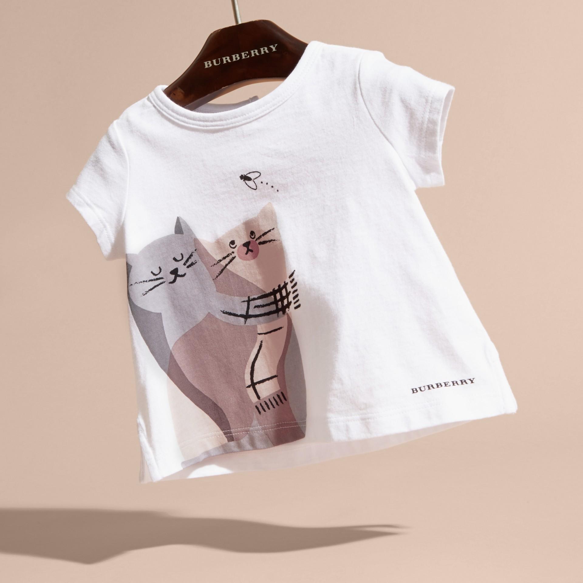Rosa gesso T-shirt in cotone con gatto - immagine della galleria 3