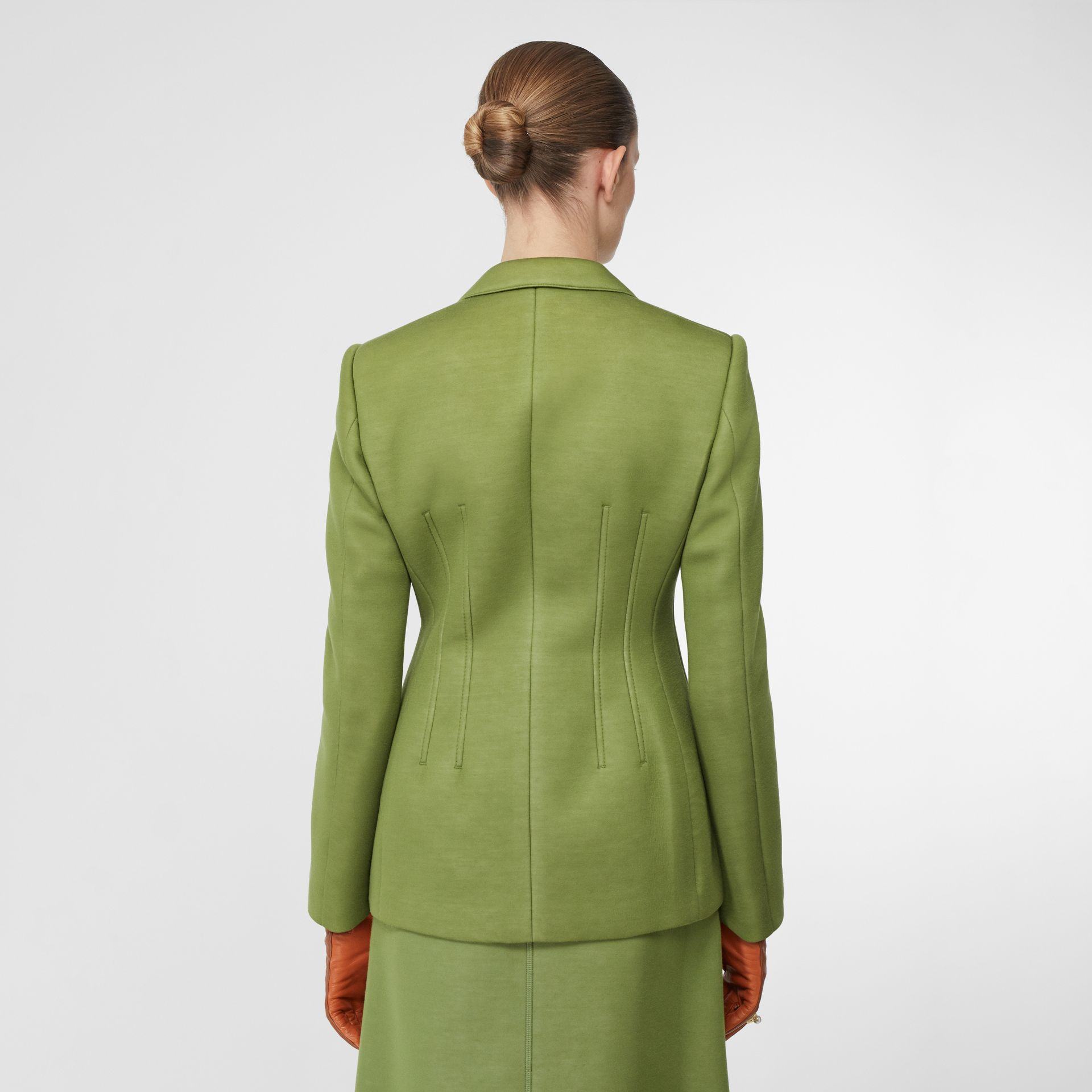 雙面氯丁橡膠套量裁製外套 (雪松綠) - 女款 | Burberry - 圖庫照片 2