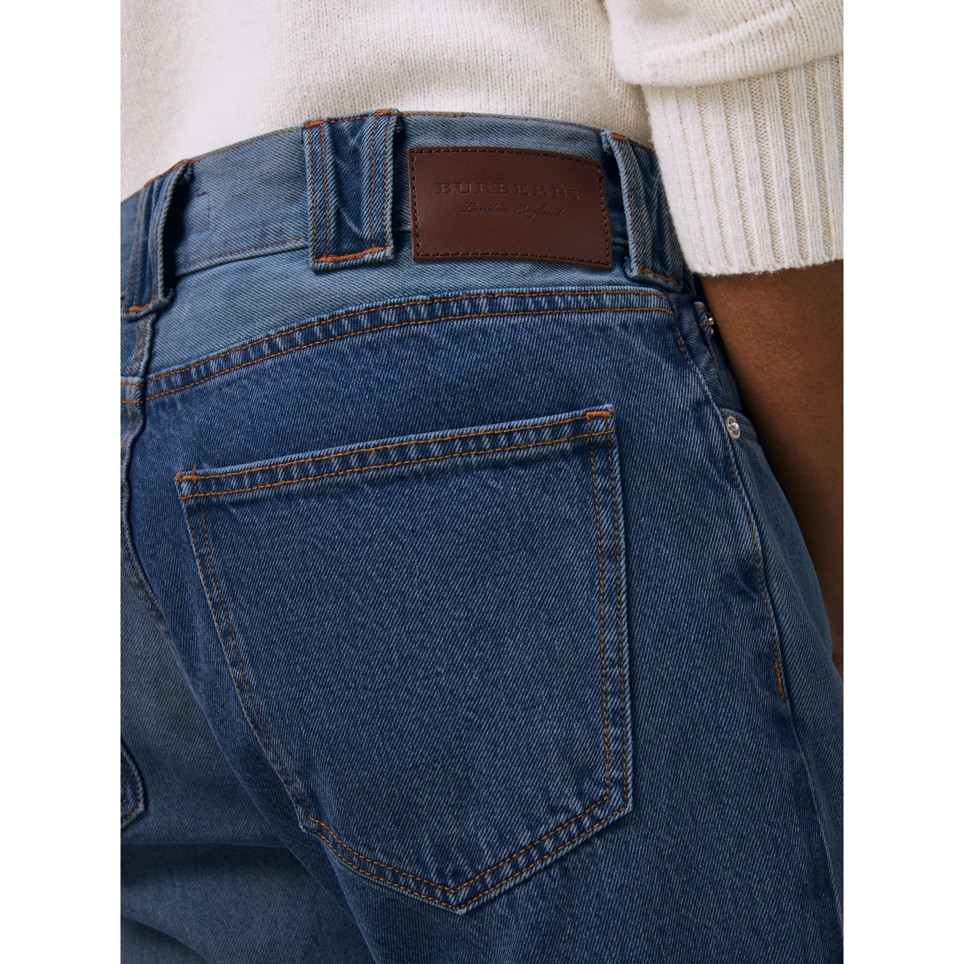 Straight Fit Two-tone Jeans in Indigo - Men | Burberry United Kingdom - gallery image 4
