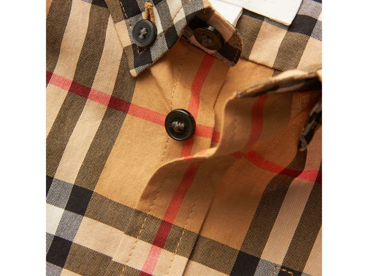Camicia con motivo Vintage check e colletto button-down (Giallo Antico) - Bambino | Burberry - cell image 1