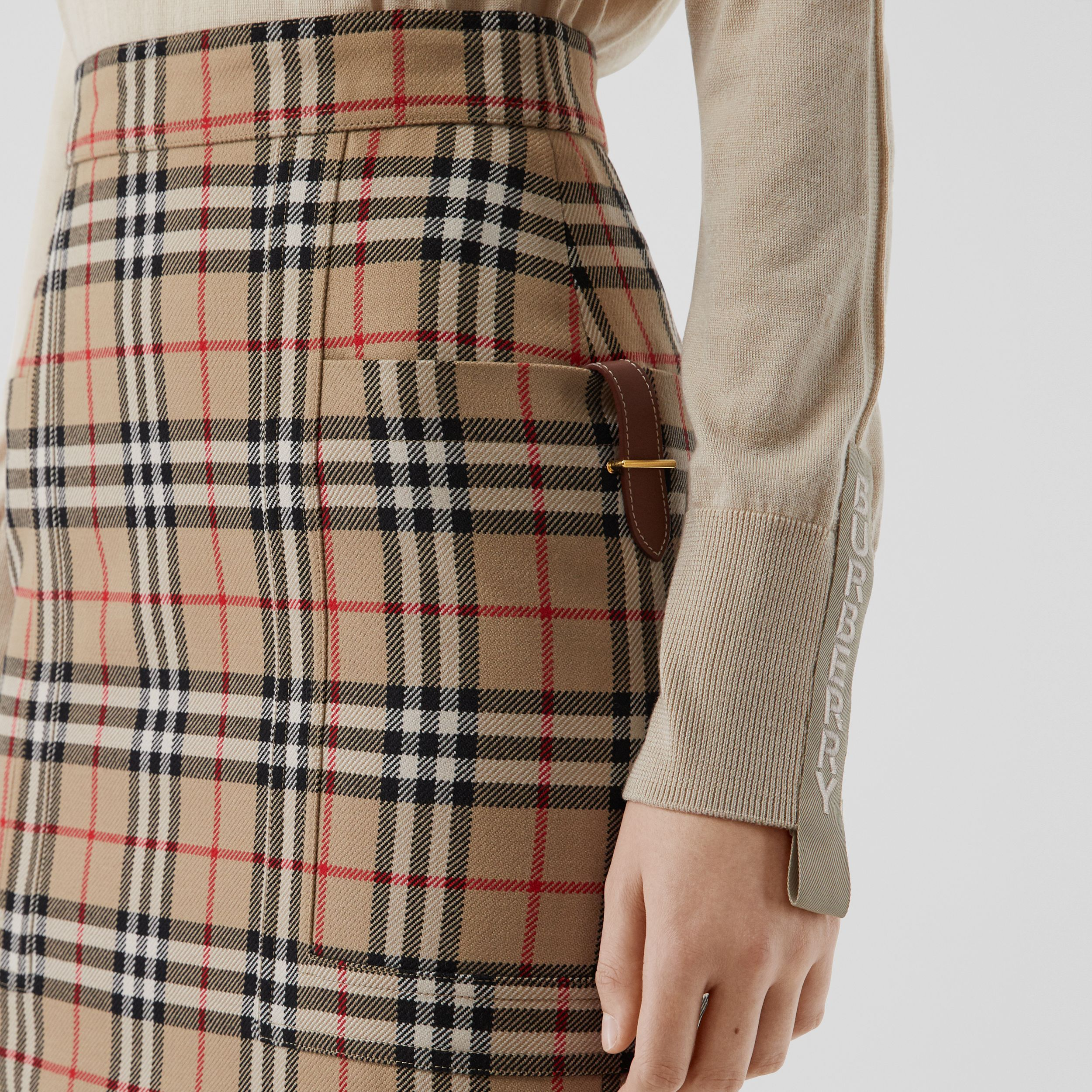 Pocket Detail Vintage Check Wool Pencil Skirt in Archive Beige - Women | Burberry United States - 2