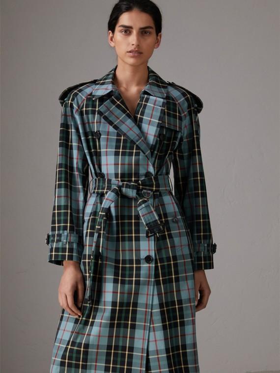 Trench coat en algodón de gabardina a cuadros escoceses (Azul Cian)