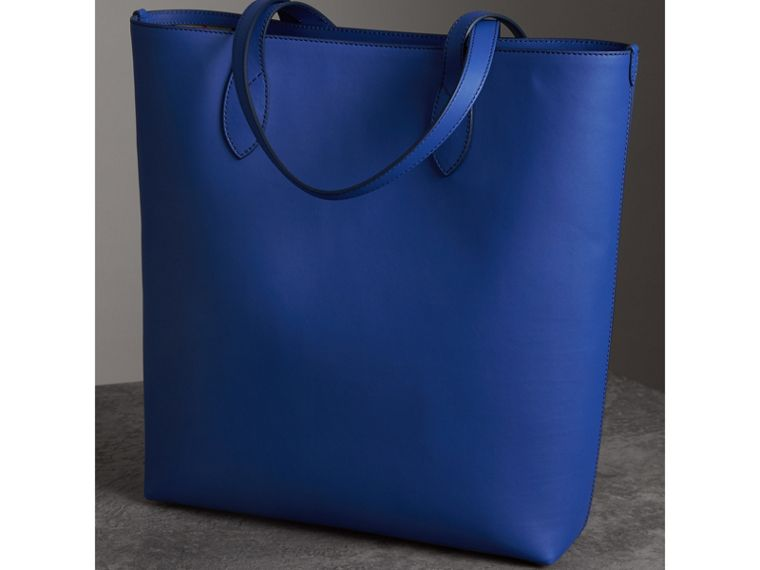 Graffiti Print Bonded Leather Tote in Denim Blue | Burberry - cell image 4