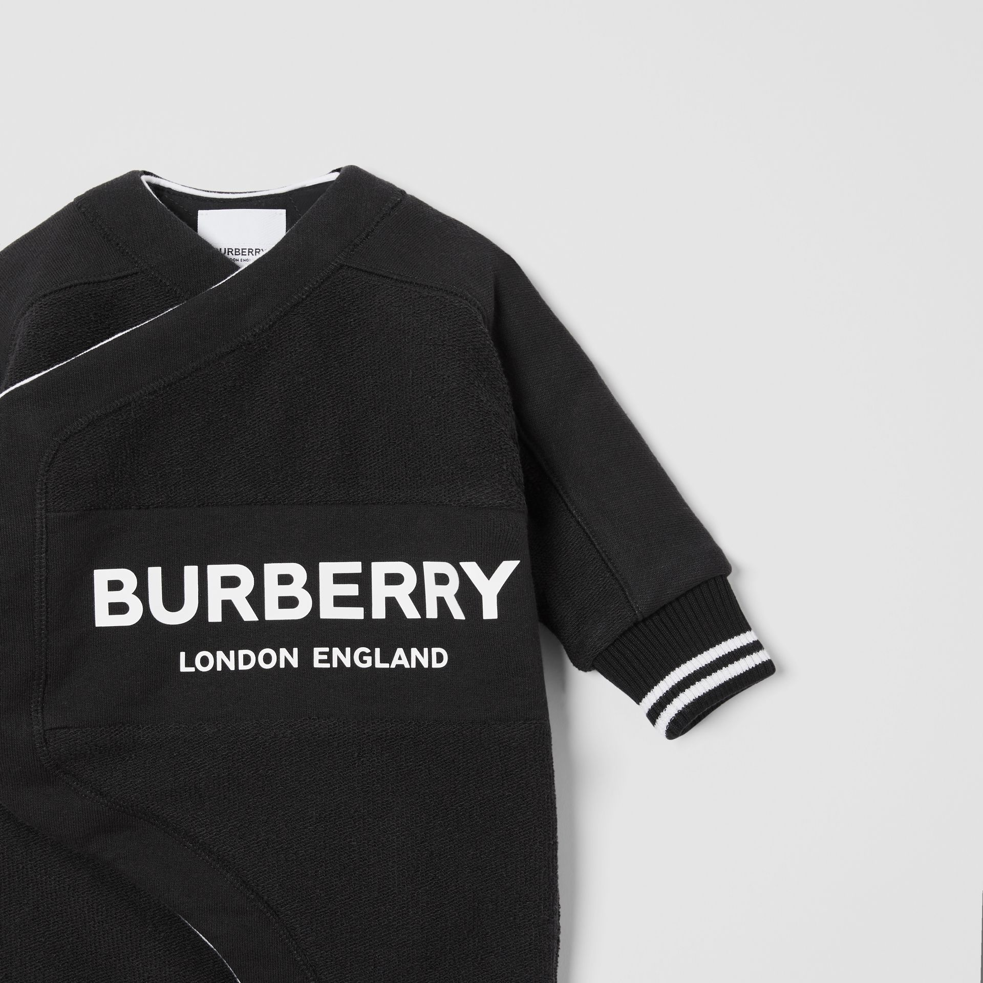 Logo Print Quilted Cotton Jumpsuit in Black - Children | Burberry - gallery image 4
