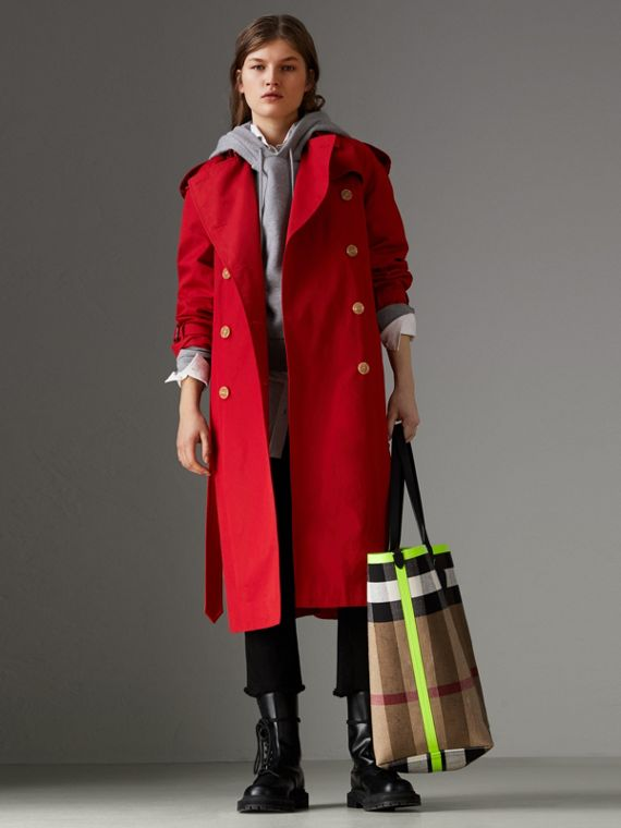 Raglan-sleeve Cotton Trench Coat in Parade Red