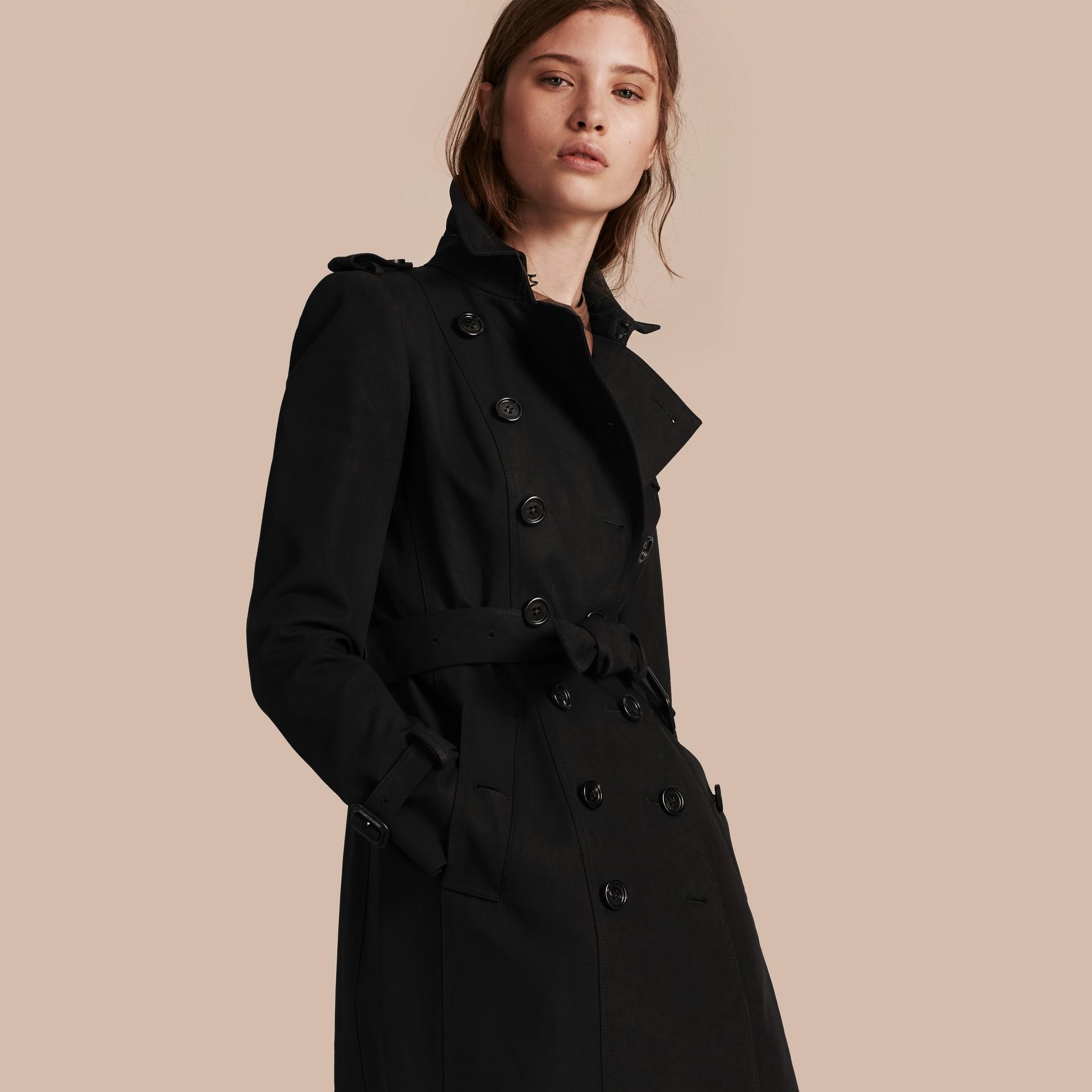 Preto Trench coat de gabardine de algodão Preto - galeria de imagens 1
