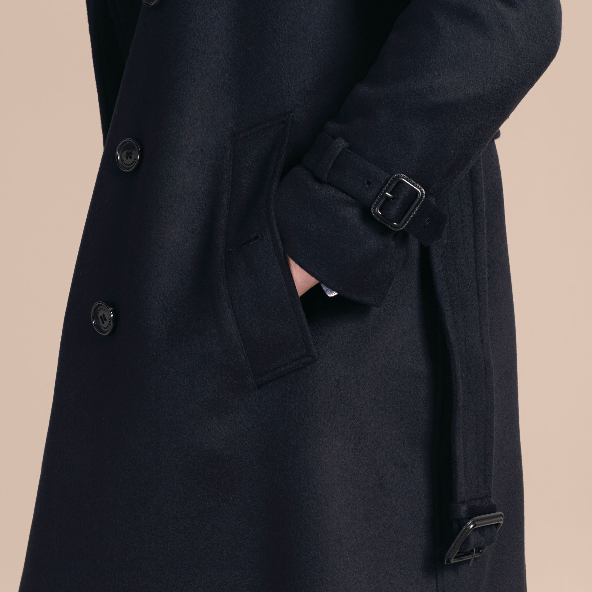 Marine Trench-coat en cachemire Marine - photo de la galerie 5