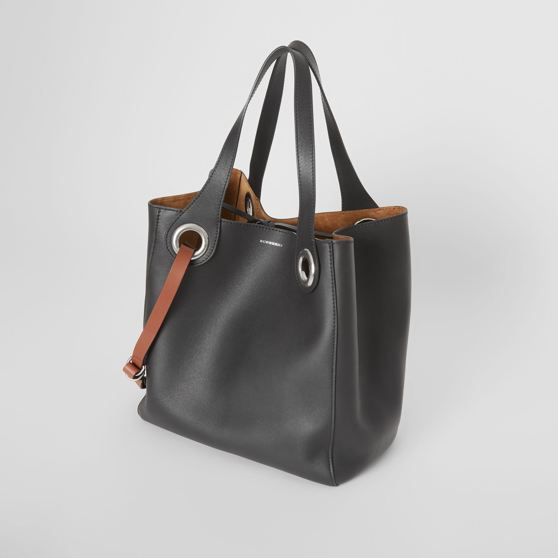 The Medium Leather Grommet Detail Tote in Black - Women | Burberry United Kingdom - gallery image 3