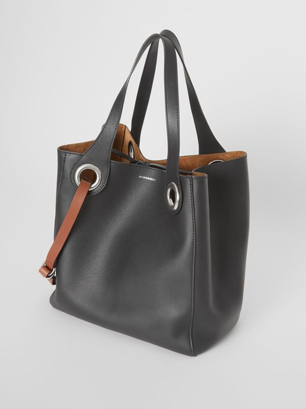 The Medium Leather Grommet Detail Tote in Black - Women | Burberry United Kingdom - cell image 3