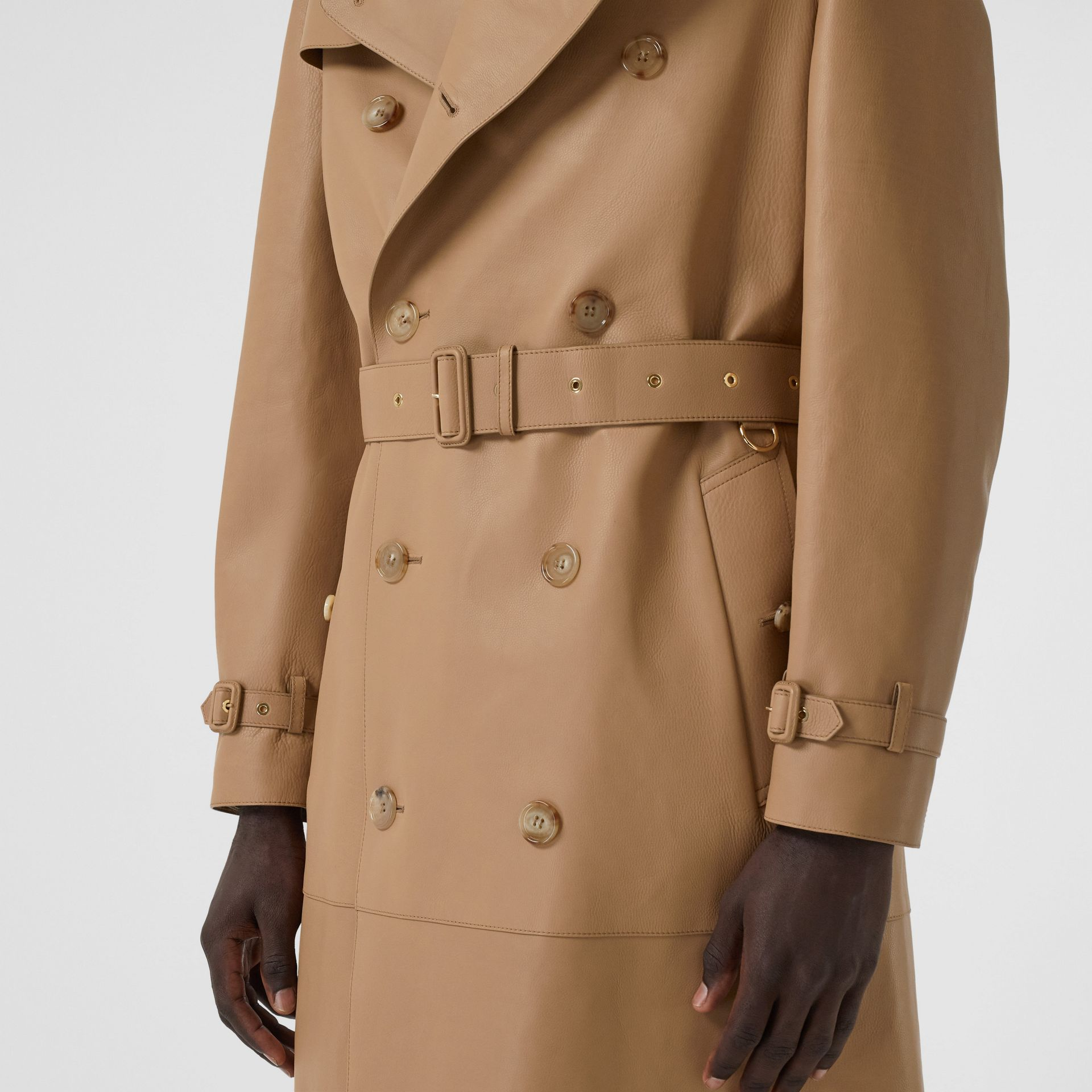 Plonge Leather Trench Coat in Camel - Men | Burberry - gallery image 4