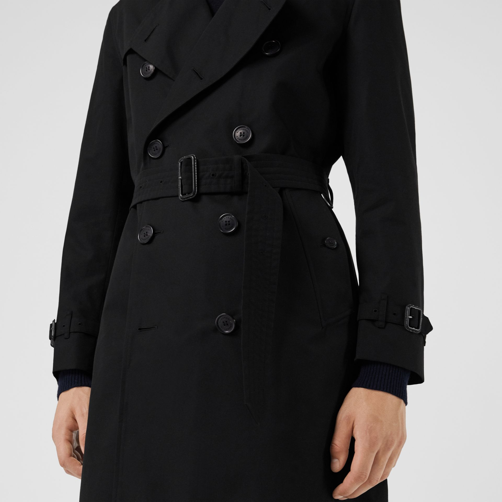 The Kensington Heritage Trench Coat in Black | Burberry United Kingdom - gallery image 1