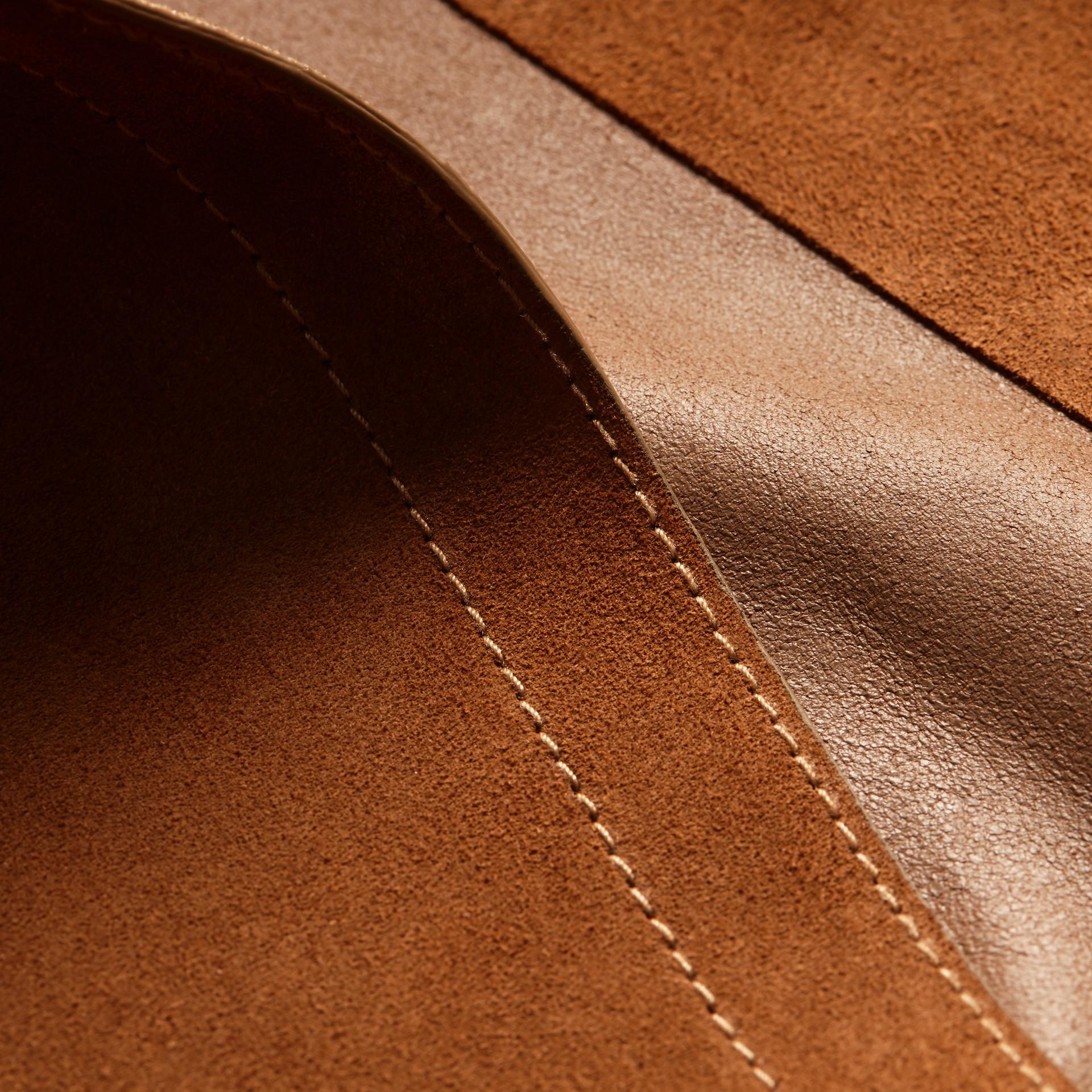 Cognac Manteau portefeuille en cuir velours - photo de la galerie 2