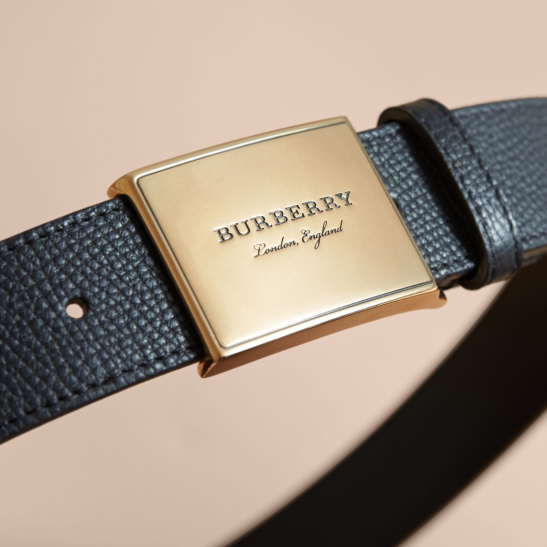 Plaque Buckle House Check and Leather Belt in Black - Men | Burberry - gallery image 2