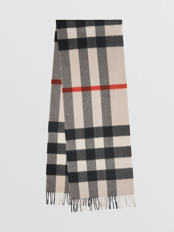 The Large Classic Cashmere Scarf in Check in Stone