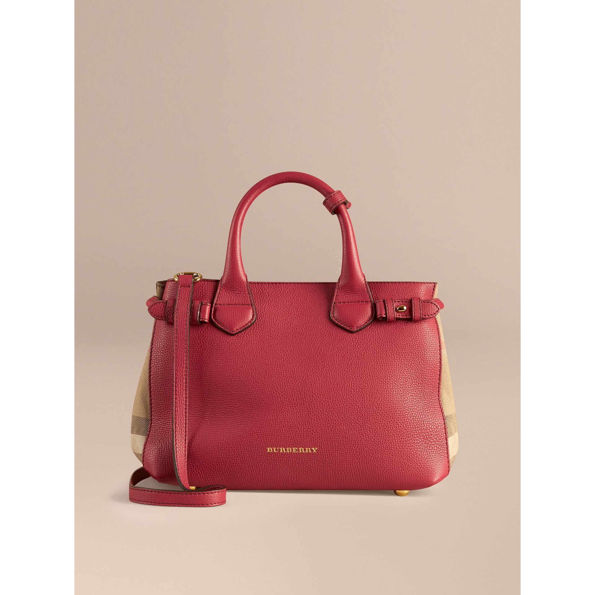 Petit sac The Banner en cuir et coton House check (Rouge Feuille Morte) - Femme | Burberry - photo de la galerie 8