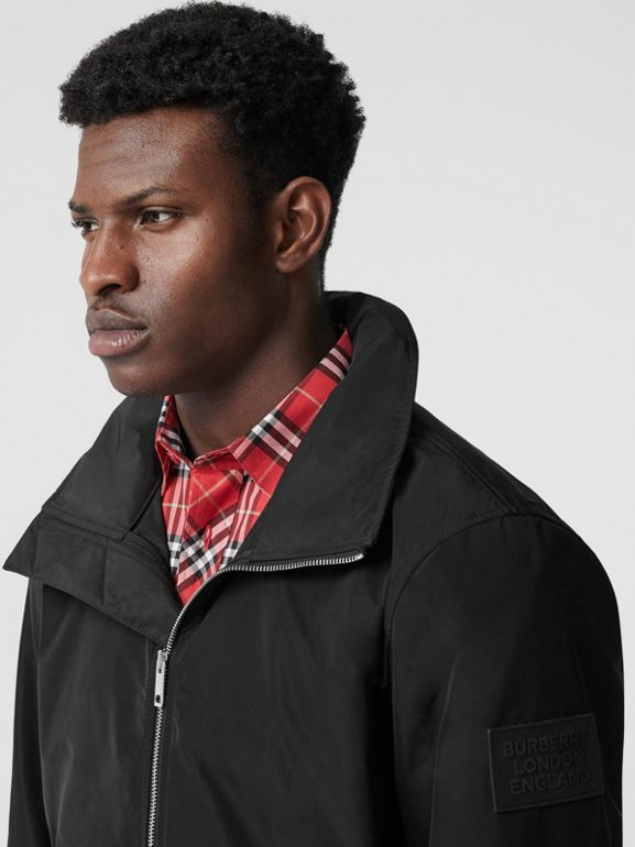 Packaway Hood Shape-memory Taffeta Jacket in Black - Men | Burberry United States - cell image 1