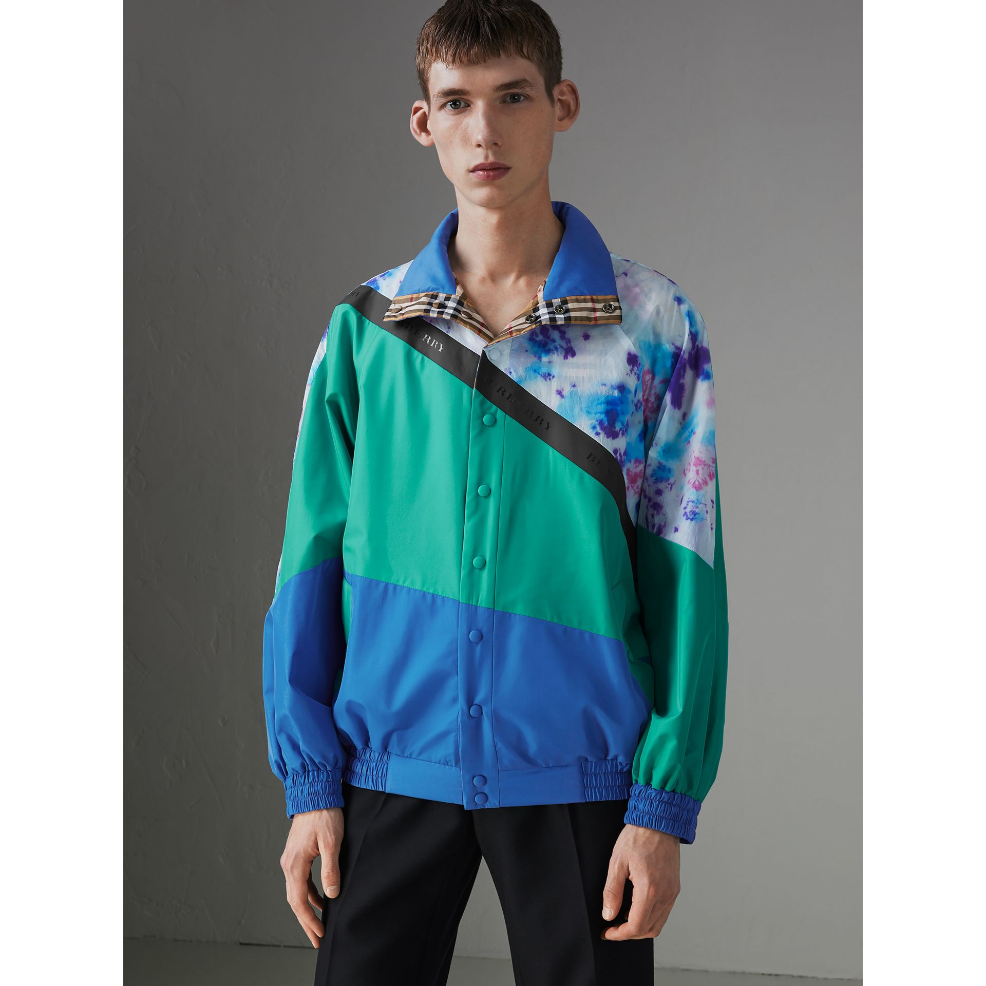 Reversible Tie-dye Silk Shell Suit Jacket in Turquoise | Burberry - gallery image 4