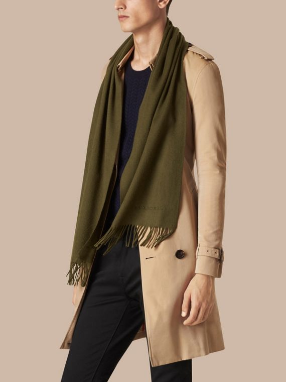 Olive green The Classic Cashmere Scarf Olive Green - cell image 3