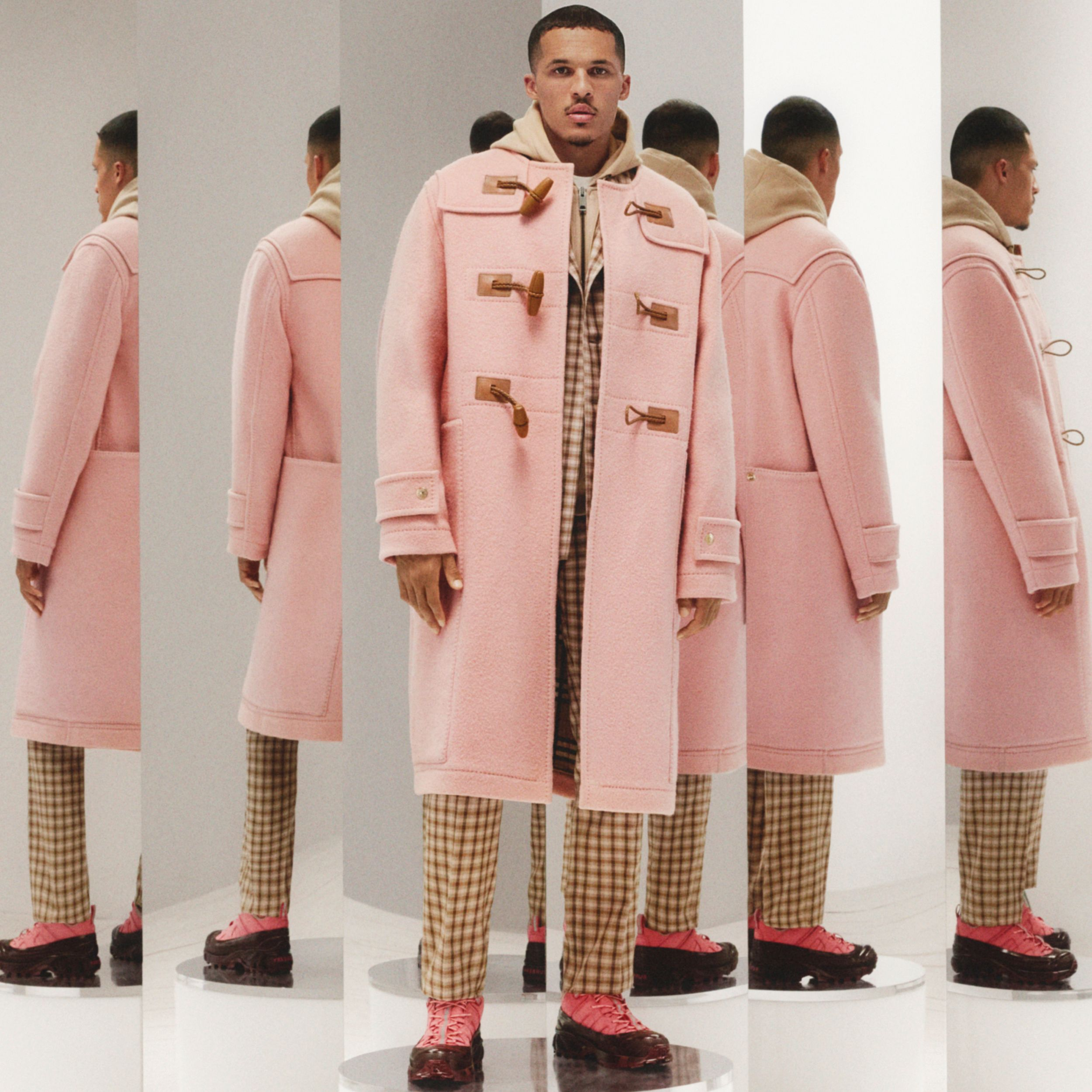 Vintage Check-lined Felted Wool Duffle Coat in Dusty Pink - Men | Burberry - 2