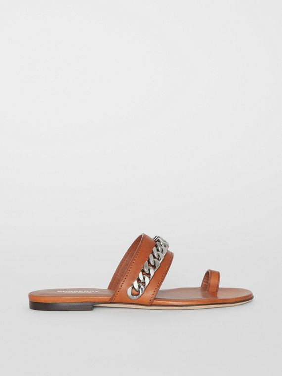 Sandales en cuir avec chaîne (Ambre)